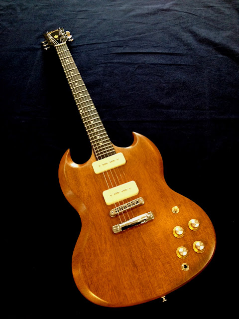 Gibson SG Naked ガード無し ピックガードレス