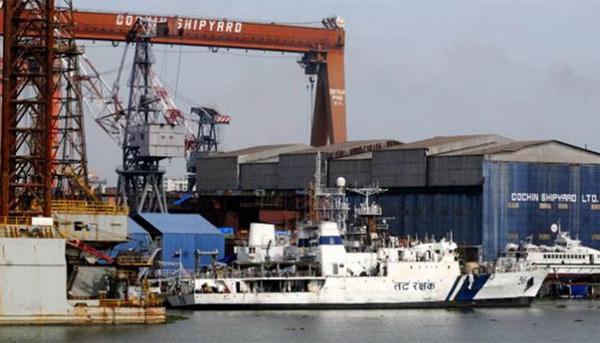 5 killed, 11 injured in blast at Cochin shipyard, Gadkari orders probe, Kochi, News, Accidental Death, Obituary, Hospital, Injured, Treatment, Malayalees, Police, Kerala