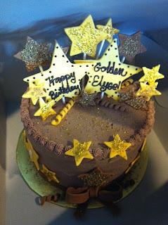It S Sweet 8 Year Old Golden Birthday Cake