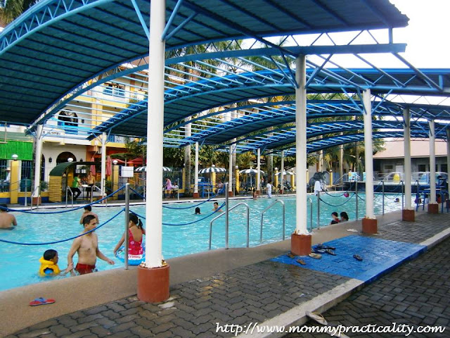 8 Waves Waterpark & Hotel