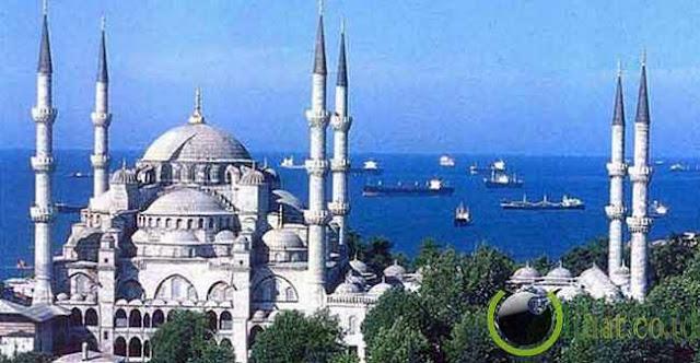 http://3.bp.blogspot.com/-Rd0sRpaPrag/UeU2YQBF1UI/AAAAAAACPns/Z0ctjlzdwd4/s1600/Masjid-Sultan-Ahmet.jpg