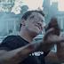 "Logic libera clipe da faixa ""Take It Back"""