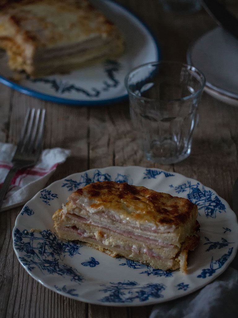 pastel-sandwich-de-jamon-de-york-y-queso