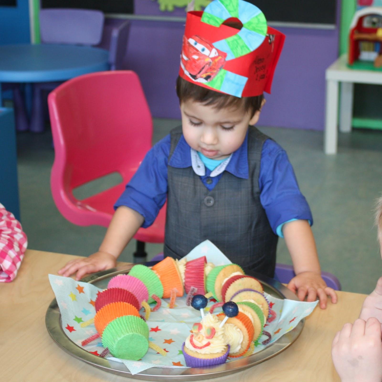 Beroemd Kindertraktatie: De cupcake rups - Francesca Kookt @QU54