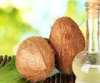 tips cara membuat gigi cemerlang putih sehat bersih cepat alami dengan berkumur minyak kelapa