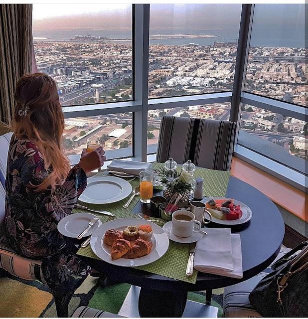 Dubai, colazione allo Shangri-la. Alessia Siena