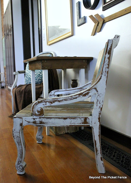 old chair, upcylced, salvaged wood, farmhouse chic, barnwood, chippy paint, https://goo.gl/FtTkry