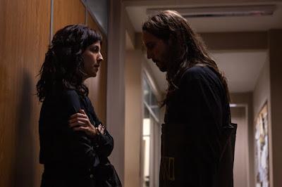 Amanda e Davi m cena da novela das 21h, Amor de Mãe (Foto: Reprodução)