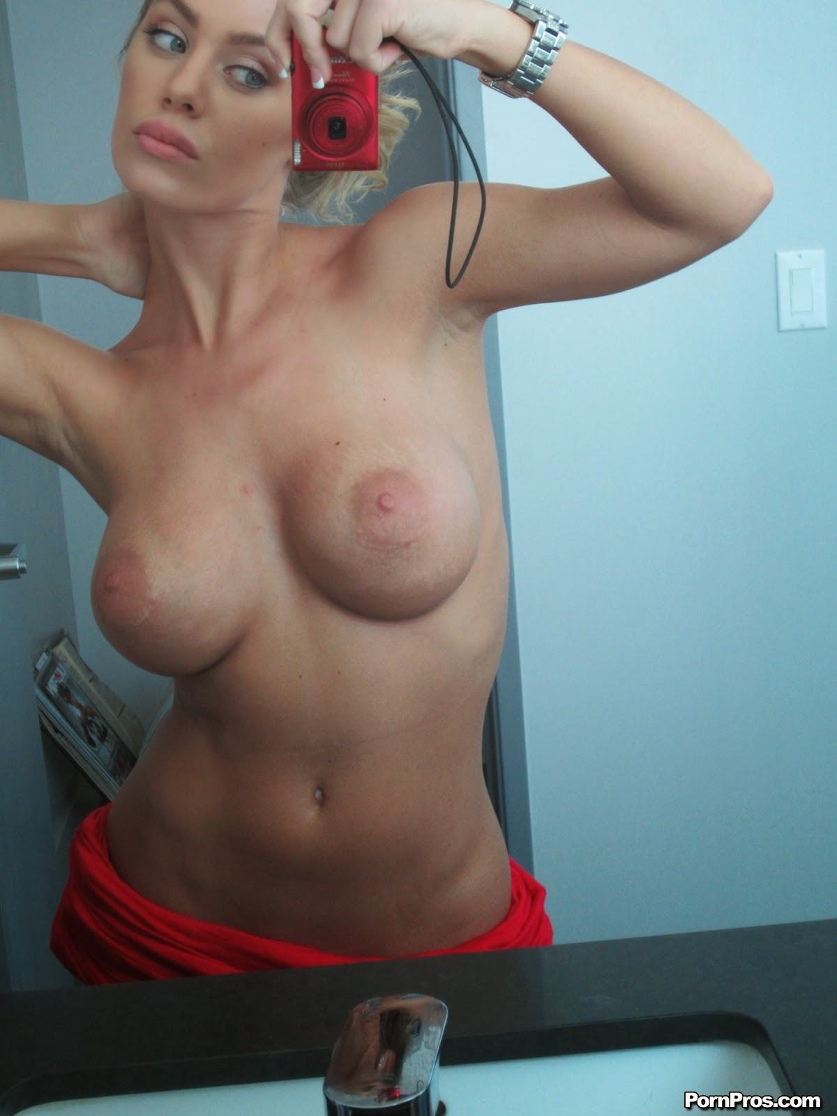 Nicole Aniston Nude Self Shots