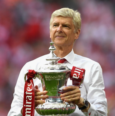 Arsene Wenger agrees to a new two-year contract with Arsenal