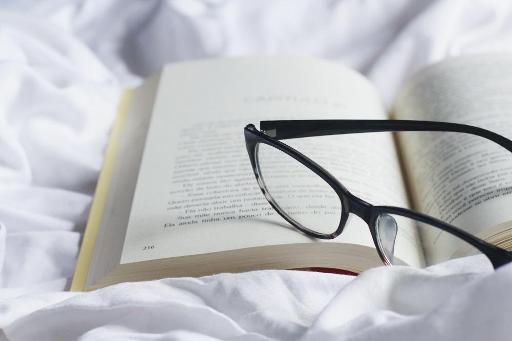 livro aberto, anexos, rainbow rowell, dani georgeto