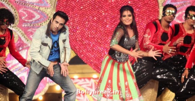 Pulkit Samrat and Richa Chadda, Bollywood Celebs at Umang Police Show 2014