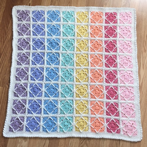 Northern Diamond Crochet Blanket - Free Pattern