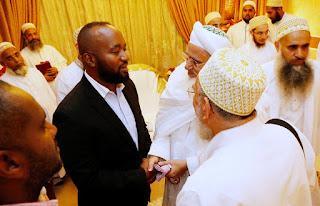 Hassan Joho meet His Holiness Syedna Mufaddal Saifuddin of Bohra. PHOTO | Courtesy