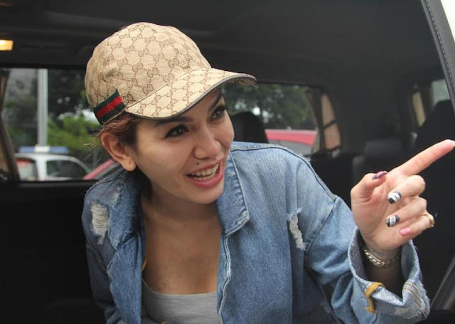 Julia Perez Lapor Balik, Nikita Mirzani Asyik Liburan ke Hong Kong