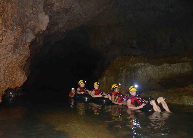body rafting goa lanang di desa wisata selasari