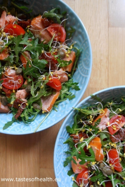 salad, winter salad, tomatoes, smoked salmon, smoked salmon salad, tomato salad, healthy salad