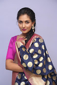 Madhu Shalini laest glam pics-thumbnail-20