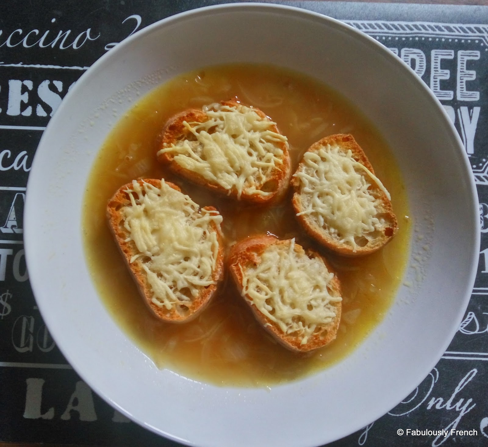 french food friday soupe l 39 oignon. Black Bedroom Furniture Sets. Home Design Ideas