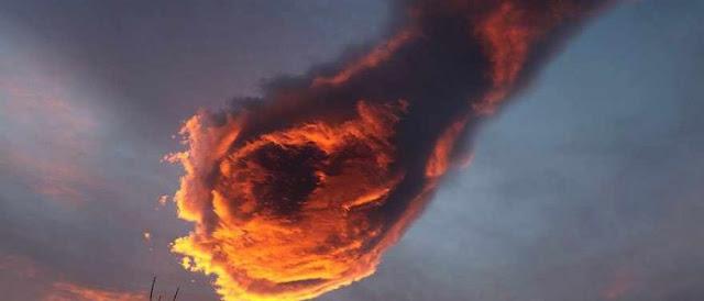 بالفيديو: سحابة مرعبة من النار تظهر في سماء البرتغال شاهدوا الفيديو