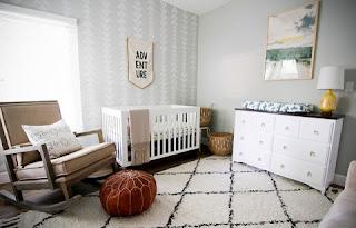 cuarto bebé gris blanco
