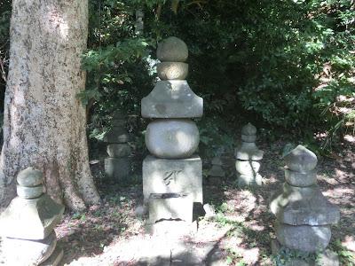北条顕時の墓