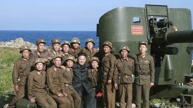 """Kim Jong-un ordena a las tropas que se preparen para """"romper la columna vertebral del enemigo"""""""
