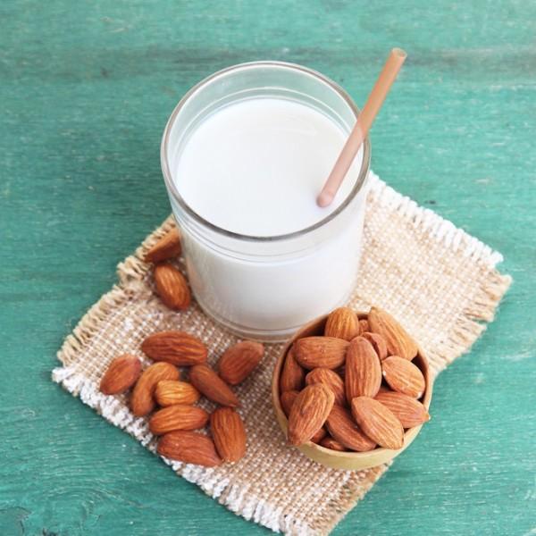 Γάλα αμυγδάλου