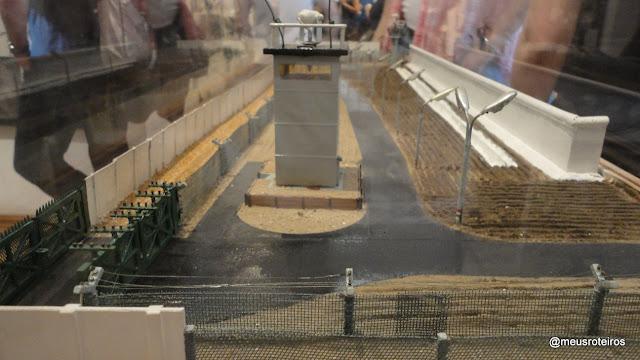 Maquete do Muro de Berlim - Checkpoint Charlie Museum, Berlim