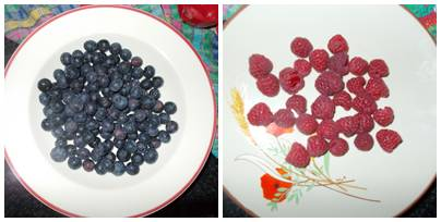 Bolo páscoa de aveia com chocolate e frutas vermelhas