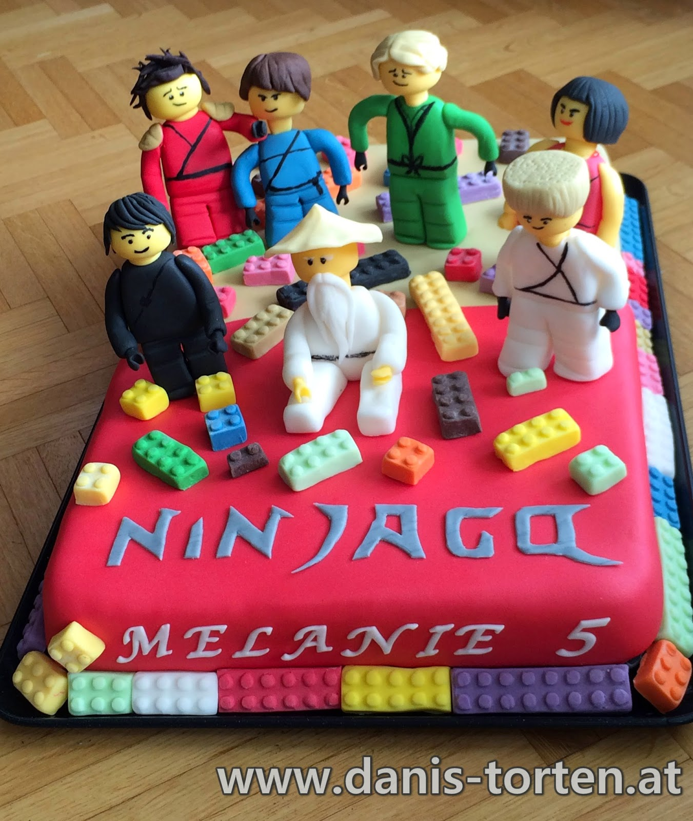 Danis Torten NinjagoTorte zum 5 Geburtstag meiner Nichte Melanie