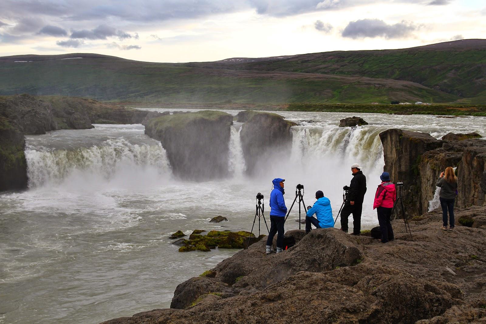 A mais belas QUEDAS DE ÁGUA da Islândia é o Éden islandês | Islândia