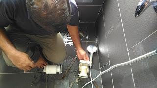 Warih Homestay - Tukar 'Trap Insert'  Di Bilik Air Utama