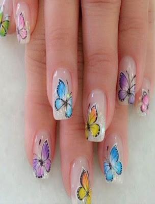decoracion de uñas con mariposas transparentes
