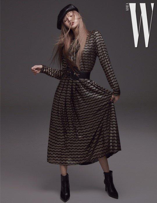 Black Pink's Lisa Look Stylish and Glamorous in 'W Korea Magazine  November Edition