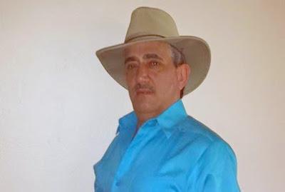 EN SAN JUAN: Empresario Alejandro Tejada felicita a los locutores ...