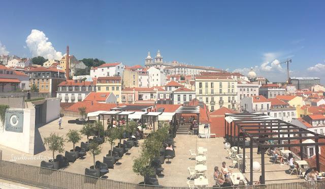 vue sur la ville de Lisbonne grâce aux miradouros