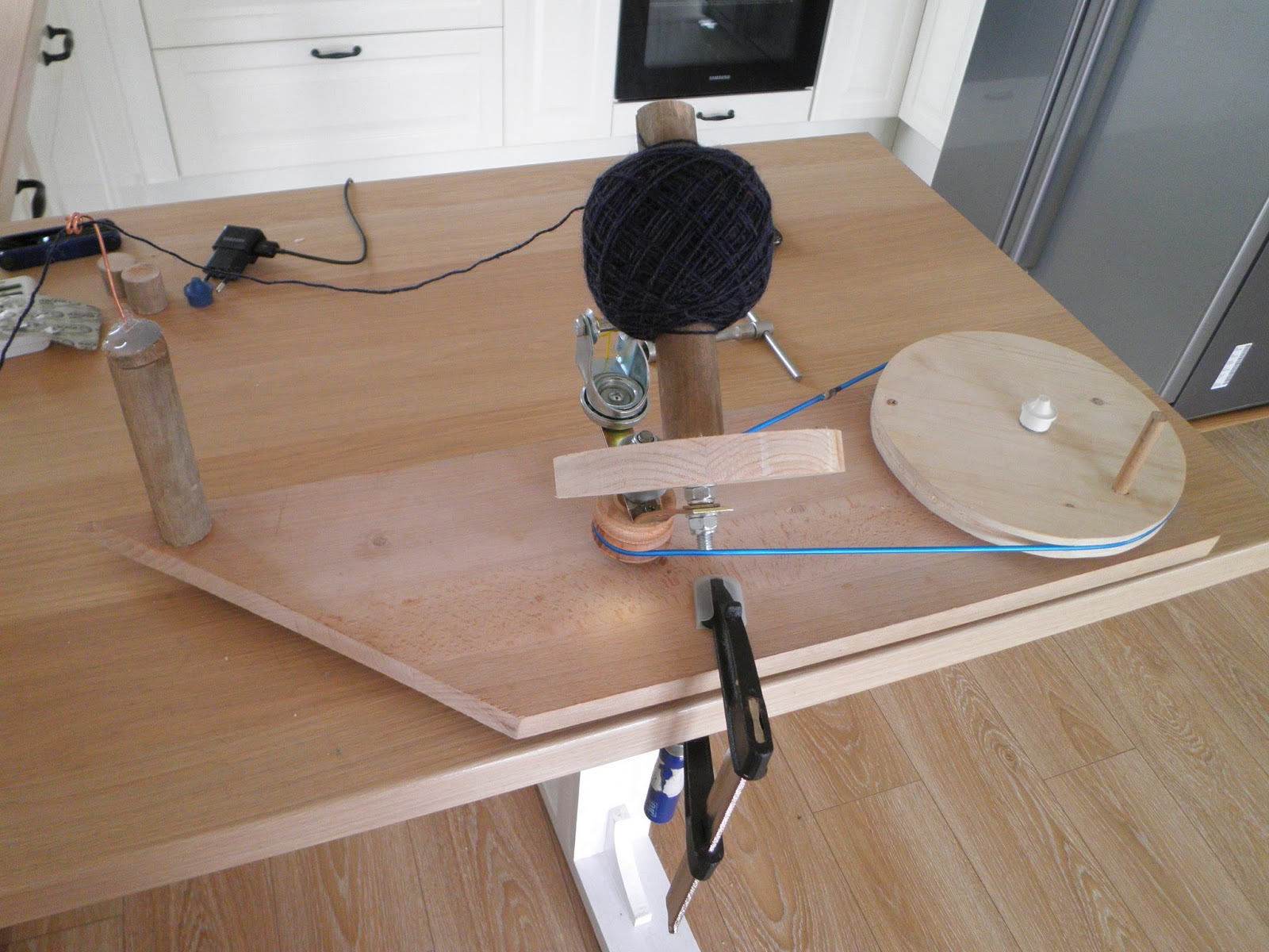 Diy Yarn Ball Winder From Scraps Knitwear And Crafts