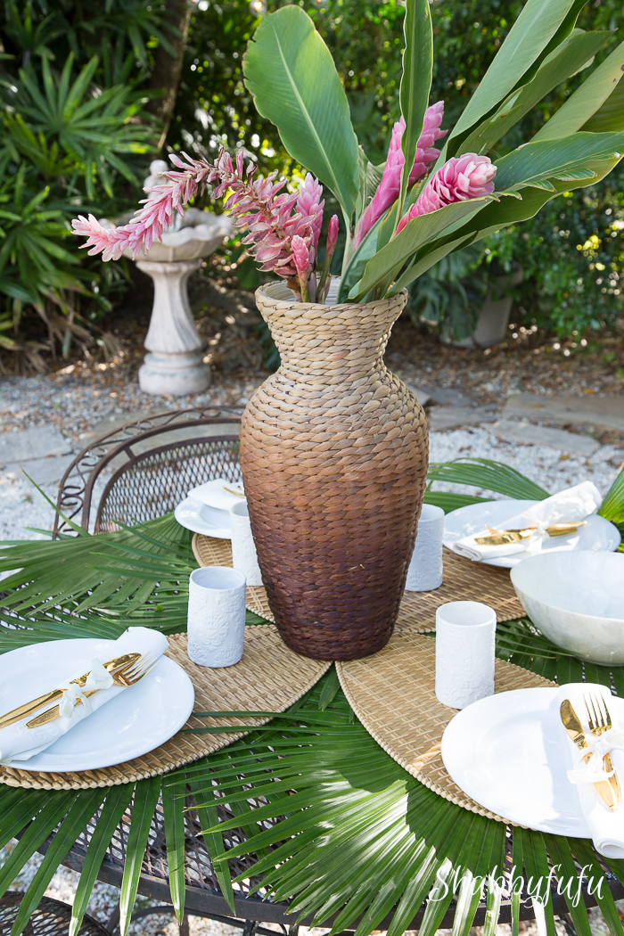 tropical-garden-centerpiece