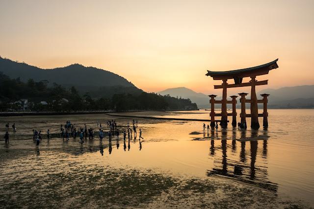 Japonsko, cestování, Hirošima, Japan, Hiroshima, Miayjima, vodní brána, brána na vodě, Torii,