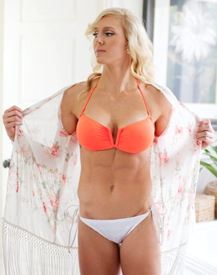 Charlotte Wwe Stock Photos and Pictures