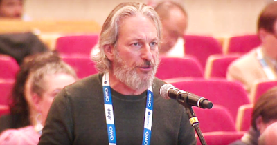 Photo of Elliot Noss, Tucows CEO, at ICANN64