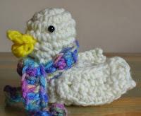 http://planetmfiles.com/2009/02/27/free-crochet-duck-pattern/
