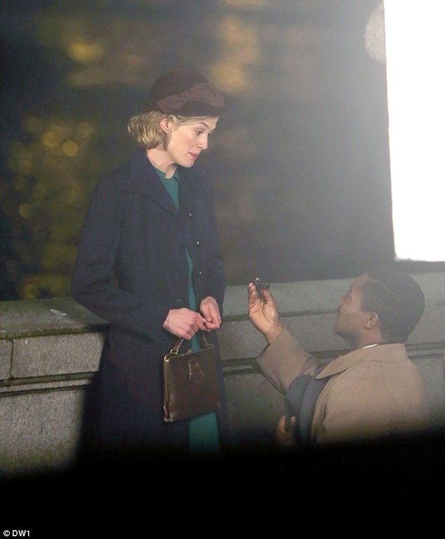 Photos: First Look Of Rosamund Pike Filming On Set Of A