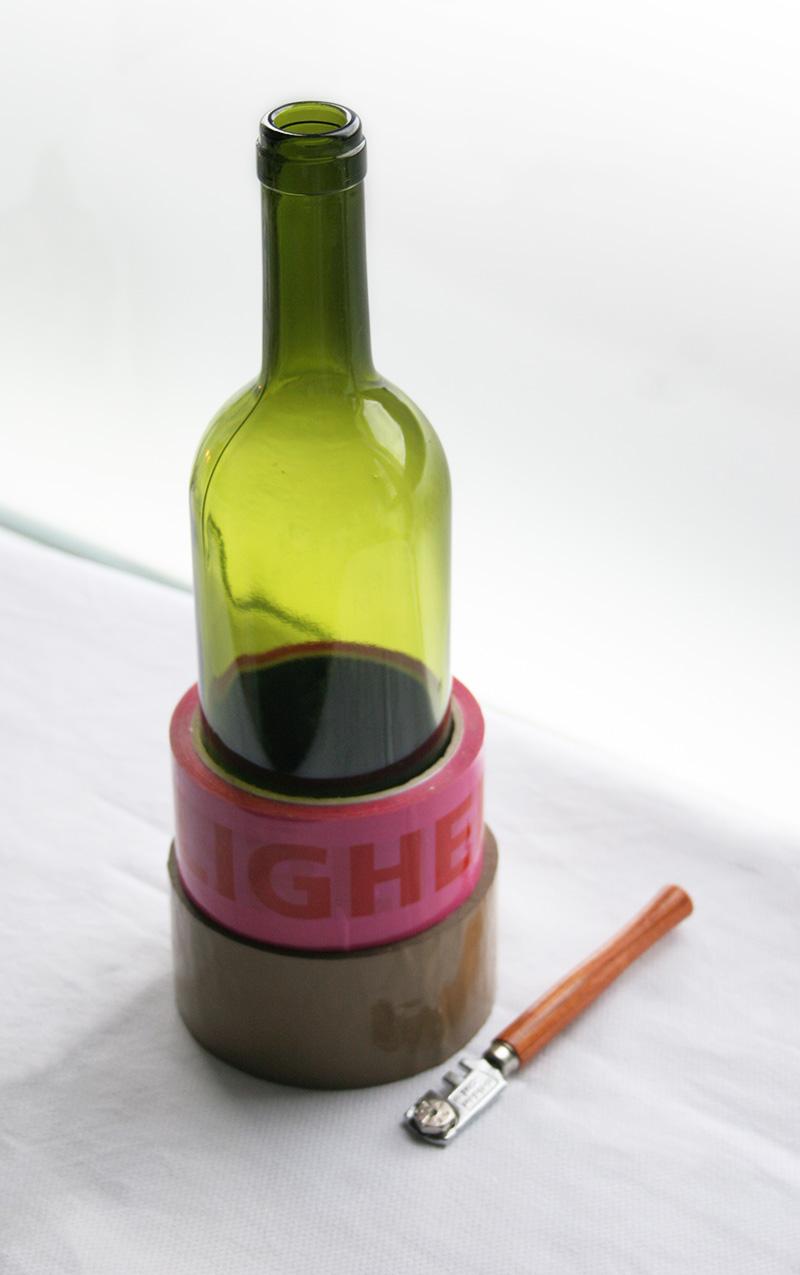 Decorar en familia_Reciclar vidrio: Cómo cortar botellas de cristal5