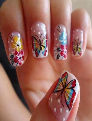 diseño de uñas faciles con mariposas de colores