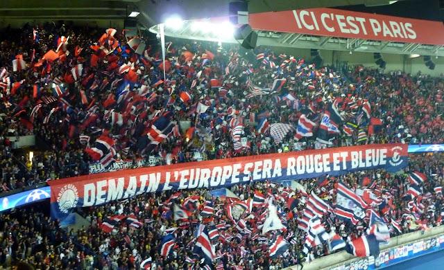 banderole ultras psg : demain l'Europe sera rouge et bleue