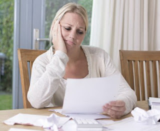 woman-planning-finances