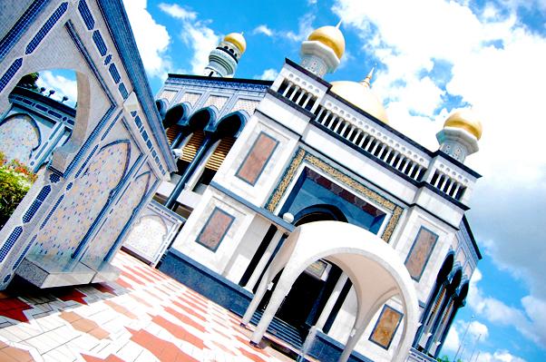 bowdywanders.com Singapore Travel Blog Philippines Photo :: Brunei :: Jame Asar Hassanil Bulkiah - Brunei's Mosque Masterpiece