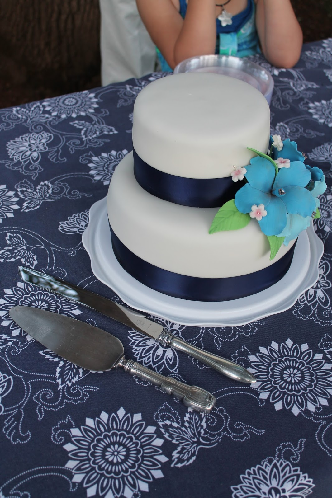 Sarah Leavitts Cakes Wedding Cake Navy Blue And White